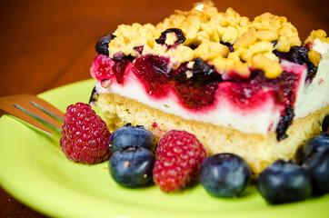 Ciasto owocowe z borówką i maliną