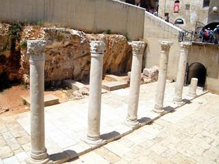 Jerusalem Roman columns in Jewish quarter 2010