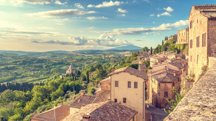 Foto auf AluDibond Toskana Landscape of the Tuscany seen from the walls of Montepulciano, I