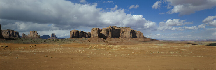 Mesas and desert, Monument Valley, Utah, USA