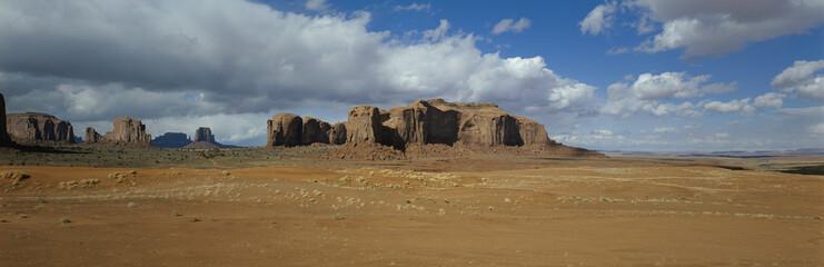 Mesas and desert, Monument Valley, Utah, USA