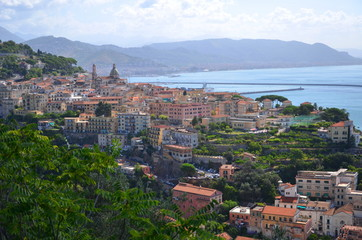 Fond de hotte en verre imprimé Nice przepiekny widok na vietri sul mare na wybrzeżu amalfi, włochy