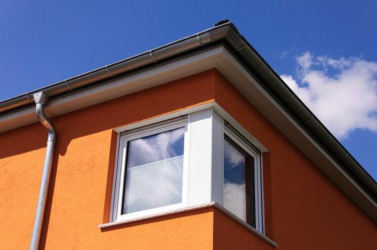Gebäudedetail Eckfenster