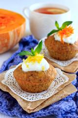Pumpkin muffins with lemon sauce