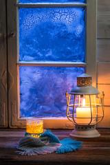 Fototapete - Hot tea in cold winter evening