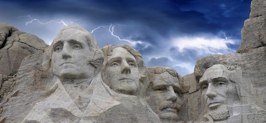 Fototapete - Dramatic Sky above Mount Rushmore National Memorial, South Dakot