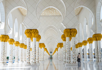 The famous Sheikh Zayed mosque
