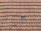 steiles dach mit holzschindel eines bauernhaus in oerlinghausen stockfotos und lizenzfreie. Black Bedroom Furniture Sets. Home Design Ideas