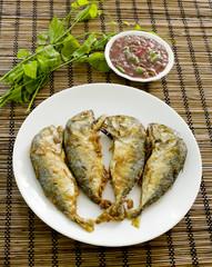 Obraz Shrimp Paste Chilli Sauce (Nam Prik Ka Pi) serve with Fried Indi - fototapety do salonu