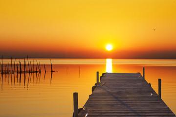 el lago del sol dorado