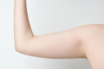 女性の二の腕