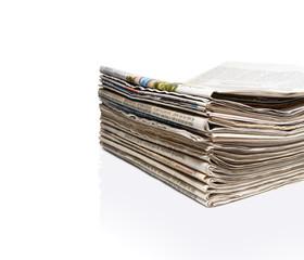 Schöner Zeitungsstapel