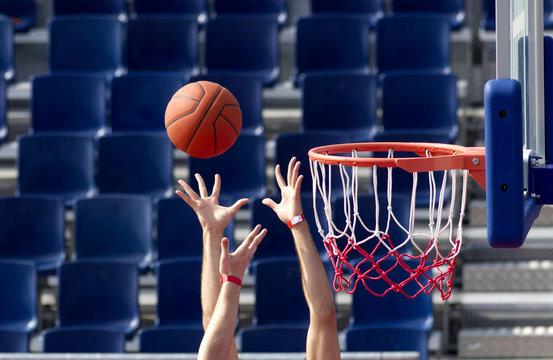Baloncesto. Jugada