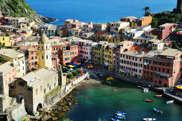 Poster Northern Europe Traditional Mediterranean architecture of Vernazza, Italy