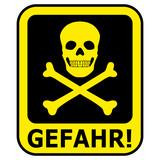 Schwarz Gelbes Gefahrenschild mit Totenkopf – freigestellt