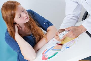 Obraz Talking about contraception with gynecologist - fototapety do salonu