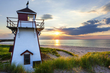 Fotobehang Vuurtoren Sunset at Covehead Harbour Lighthouse, PEI