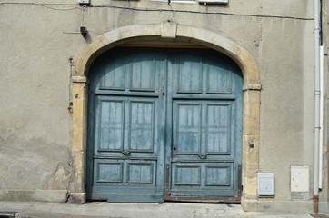 Photos illustrations et vid os de porte coch re for Porte cave bois