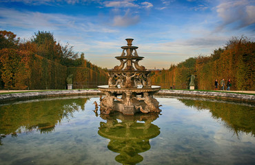 In de dag Fontaine Fontaine jardin du château de Versailles