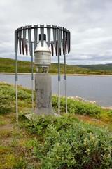 Wall Mural - Norwegia ,stacja metorologiczna  do pomiaru opadów