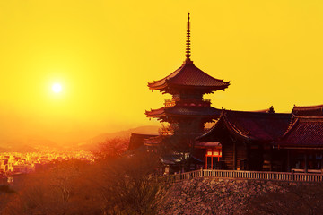 Photo sur Plexiglas Japon Magical sunset over Kiyomizu-dera Temple, Kyoto, Japan