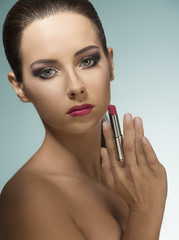 woman with perfect visage and lipstick