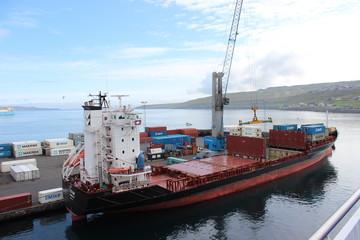 Container-Frachter Färöer Inseln