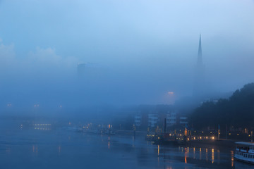 Fototapete - Foggy river Weser Bremen Germany