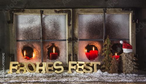 Weihnachten dekoration fenster mit kerzen in rot und for Dekoration in rot