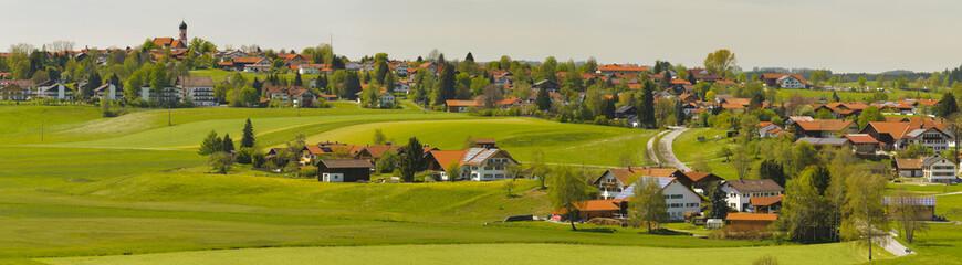 Wall Mural - Panorama Landschaft mit Stadt Seeg in Bayern im Allgäu