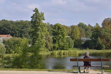 Repos en face de l'eau au Bois de Woluwe à Bruxelles