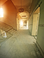 Fototapete - abandoned hospital hallway