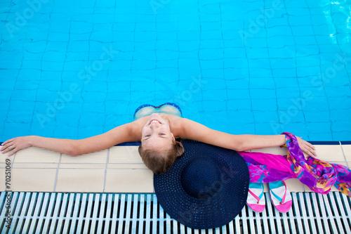 Красивые девушки в бассейне фото, фото пизды дилдо крупным планом