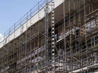Bauwirtschaft - Großbaustelle - Gerüstbau -  - Sanierung