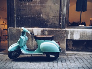 Photo Blinds Scooter old, blue vintage motor scooter in Palma de Mallorca