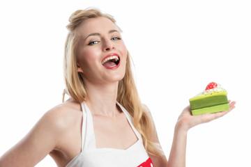 Glückliche Frau mit Tortenstück