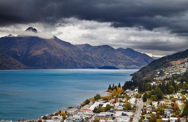 Wall Mural - Queenstown cityscape and Wakatipu lake, New Zealand