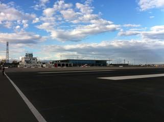 Flughafen von Gibraltar mit Rollfeld