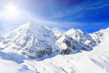Fototapete - Winter mountains, panorama of the Italian Alps