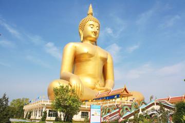 Golden buddha wat muang, Ang thong Thailand