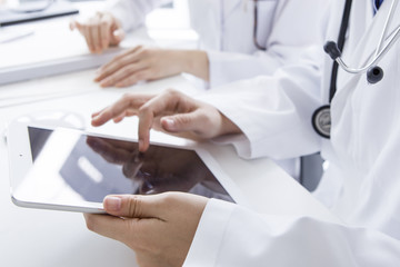 Women doctors to use the tablet