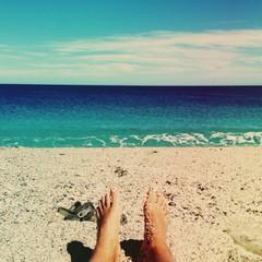 feetfie on the beach