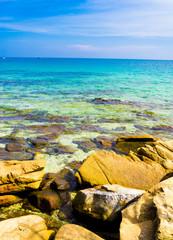 Poster de jardin Bleu fonce Sunny Rocks Lagoon Boulders