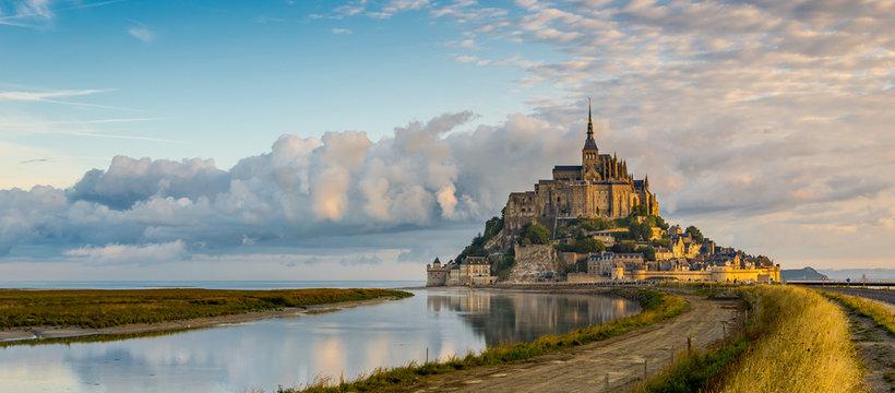 Panoramic view at morning Mont Saint-Michel