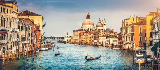 Fotorollo Venedig Grand Canal and Santa Maria della Salute at sunset, Venice