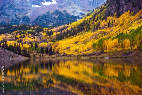 Wall mural Fall in the Colorado
