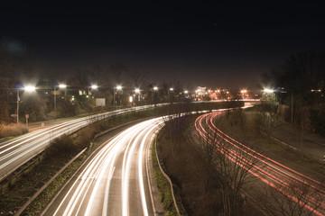B7 Brüsseler Straße bei Nacht