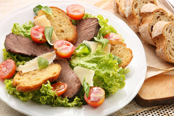 Toast with roast beef cheese and vegetables
