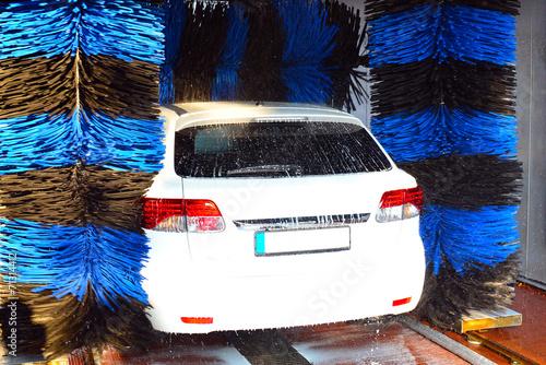 automobil in einer waschanlage stockfotos und. Black Bedroom Furniture Sets. Home Design Ideas