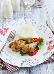 Roasted chicken drumsticks with sweet pepper